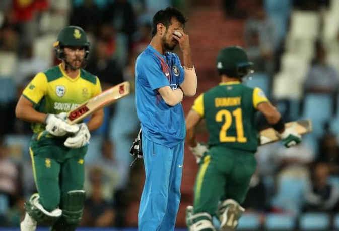 टी-20 में सबसे ज्यादा पिटने वाले 5 भारतीय गेंदबाज, चहल का नाम सबसे ऊपर
