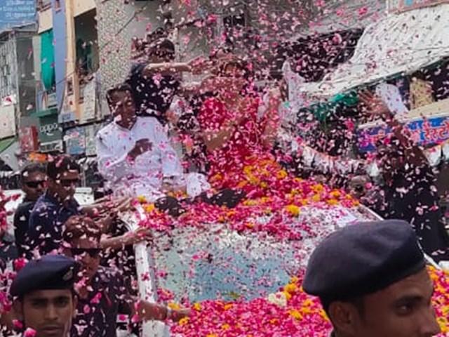 Image result for प्रियंका गांधी का इंदौर में हुआ रोड शो
